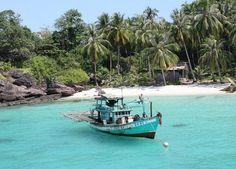 Vietnam mag dan minder eilanden hebben als Thailand, Indonesië en Maleisië, het heeft wel een paar eilanden die het woord 'tropische paradijs' waarmaken. Phu Quoc is een eiland omringd door witte zandstranden en is nog steeds voor een groot gedeelte gehuld in een dichte, tropische jungle.