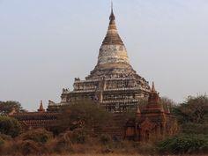 Old Bagan Birma - Celina Lisek Bagan, Burj Khalifa, Temple, Tourism, River, Turismo, Temples, Rivers, Travel