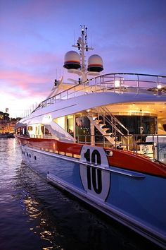 moody-yachts-france:  Absolutely stunning at night!  Aurelia