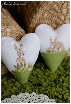 Like the idea of making small cute cross stitch patterns into hanging items like hearts! heartmade: Rabbits and gifts :) / Zaytsы and Gifts :) Cross Stitch Heart, Cute Cross Stitch, Cross Stitch Animals, Cross Stitch Designs, Cross Stitch Patterns, Cross Stitching, Cross Stitch Embroidery, Embroidery Patterns, Hand Embroidery