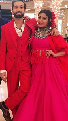 Indian Dresses, Indian Outfits, Anika Ishqbaaz, Best Couple Pictures, Afghani Clothes, Nakul Mehta, Surbhi Chandna, Girl Couple, Saree Dress