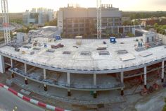 Precast concrete ground floor slab structural topping