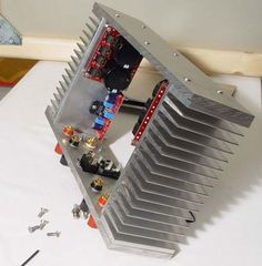power amp with diy chassis audio electronic schematic Electronics Projects, Hobby Electronics, Cool Electronics, Electronics Components, Consumer Electronics, Electronic Kits, Electronic Circuit Projects, Electronic Schematics, Electronic Engineering
