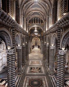 Divina Bellezza. Il Pavimento del Duomo di Siena. 18 ago–27 ott 2014 presso Cattedrale di Siena #italy #siena