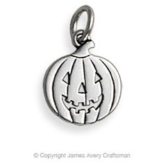 An expression of the fall spirit, this beautifully crafted Jack O'Lantern Charm perfectly captures what makes the Halloween season unforgettable. #jamesavery #jewelry