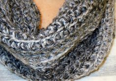 Craftdrawer Crafts: Easy to Crochet Infinity Scarf Pattern