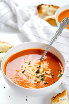 zimní rajčatová polévka Mango Avocado Salsa, Czech Recipes, Ethnic Recipes, Time To Eat, Bon Appetit, Thai Red Curry, Sugar Free, Soup Recipes, Food And Drink