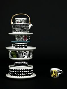 Beautiful dark image with a tower of Marimekko tableware www.nl for Marimekko servies / tableware Ceramic Tableware, Kitchenware, Swedish Design, Home And Deco, Decoration Table, Scandinavian Design, Scandinavian Kitchen, Dinnerware, Home Accessories