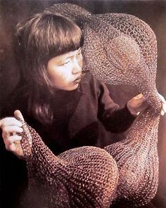MONDOBLOGO: ruth asawa: genius with wire