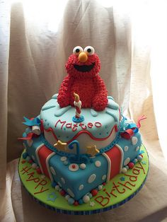 Elmo cake; this would be cute as a Cookie Monster cake too...