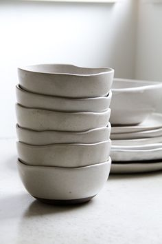 《 purity ᵂ ᴴ ᴵ ᵀ ᴱ´ Ꮥ place 》 Ceramic Bowls, Ceramic Pottery, Stoneware, Deco Table, A Table, Recycling, Food Photography Props, Kitchenware, Tableware