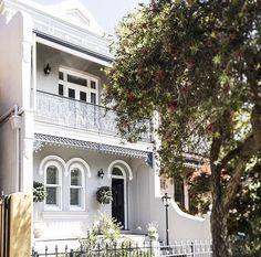 House Exterior Makeover Australia New Ideas Terrace House Exterior, Victorian Terrace House, Exterior Paint Colors For House, Paint Colors For Home, Exterior Colors, Paint Colours, Bungalows, Victorian Homes Exterior, House Paint Color Combination