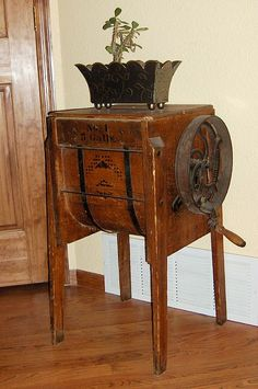 Oak 5 gallon butter churn