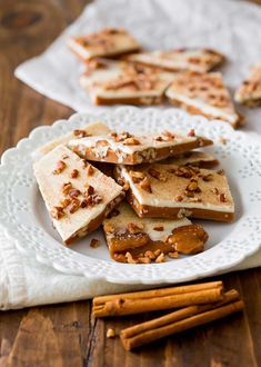 Nutritious Snack Tips For Equally Young Ones And Adults This Pumpkin Spice Toffee Is An Easy And Autumnal Sugar Fix Made With Pecans, Pumpkin Pie Spice, And White Chocolate That's Equally Perfect For Noshing Or Gifting. Pumpkin Recipes, Fall Recipes, Thanksgiving Recipes, Sweet Recipes, Toffee Recipe, Toasted Pecans, Pumpkin Pie Spice, Pumpkin Pumpkin, Vegetarian Chocolate