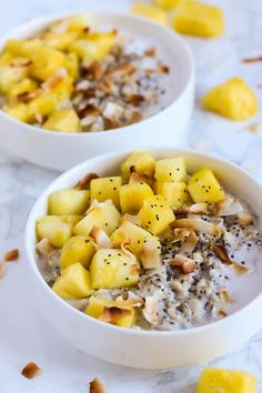 This creamy Tropical Coconut Oatmeal is like the beach in a bowl! Topped with juicy pineapple, it's the perfect vegan & gluten-free breakfast for everyone. Pin it for a healthy fresh breakfast any time of the year. Vegan Gluten Free Breakfast, Gluten Free Breakfasts, Healthy Breakfast Recipes, Brunch Recipes, Coconut Oatmeal, Vegan Oatmeal, Dairy Free Recipes, Vegan Recipes Easy, Breakfast Waffles