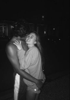 60 Romantic And Cute Couple Goal Photographs For Your Endless Romance - Page 30 of 60 - Cute Hostess For Modern Women Cute Couples Photos, Teen Couples, Cute Couple Pictures, Cute Couples Goals, Cute Couples Texts, Love Pics, Cute Boyfriend Pictures, Couple Photos, Social Media Ruins Relationships