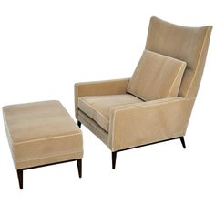 Paul McCobb Lounge Chair & Ottoman Love this higher off the ground and thicker arms - thinking of David's size Sofa Design, Ottoman Design, Upholstered Arm Chair, Chair And Ottoman, Sofa Chair, Paul Mccobb, Furniture Styles, Furniture Design, Modern Furniture