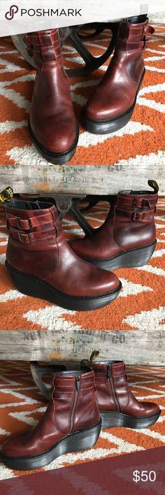 Dr. Martens Bessie Brando Black, Chaussures compensées Femme