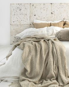 Shop our pure linen luxury collection. Our products are grown, spun, woven and sewn in Europe. Discover relaxed living with the luxury of our linen bedding. Luxury Bedding Collections, Luxury Bedding Sets, Master Suite, Ikea, Black Bed Linen, Simple Bed, Bed Linen Design, Design Your Home, Linen Bedding