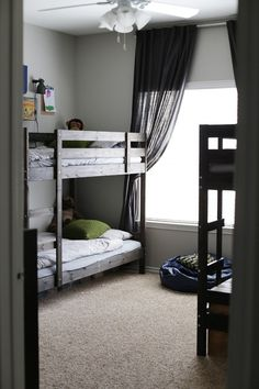 i love the double bunk beds - Beds For Small Spaces