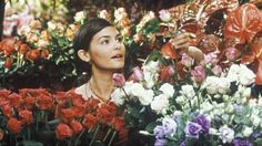 He Loves Me... He Loves Me Not  starring Audrey Tautou.  One of my all time favorite movie!