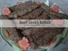 A spicy and extremely flavorful Beef Seekh Kebab Recipe which will surely be a hit at any BBQ party. Check it out the Beef Seekh Kebab Recipe here! Curry Recipes, Sauce Recipes, Cooking Recipes, Easy Recipes, Seekh Kebab Recipes, Kabobs, Skewers, Desi Food, Bbq Party