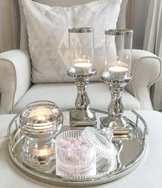 Table Decor Living Room, Bedroom Decor, Feng Shui, Glamour Living Room, Table Centerpieces, Table Decorations, Chalet Design, Decorating Coffee Tables, Tray Decor
