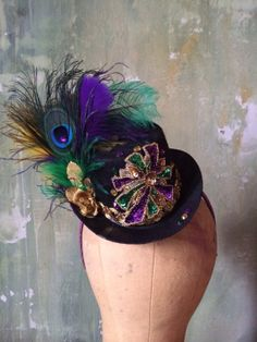 Hey, I found this really awesome Etsy listing at https://www.etsy.com/listing/179340212/mardi-grascarnival-mini-top-hat