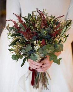 Bridal Bouquet Fall, Wedding Bouquets, Flower Decorations, Wedding Decorations, Fantasy Wedding Dresses, Alternative Bouquet, Wedding Cakes With Flowers, Wedding Wishes, Floral Bouquets