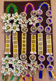 College Grad Gifts, Diy Graduation Gifts, Graduation Party Planning, Graduation Leis, Graduation Cap Decoration, Creative Money Gifts, Money Lei, Candy Leis, Economics