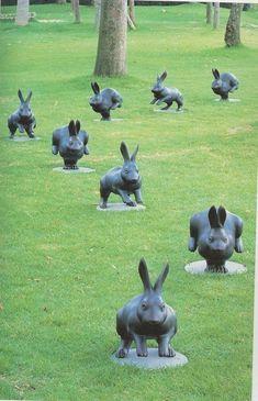 Garden art sculptures - 27 Awesome Garden Statues To Add An Artistic Your Outdoor – Garden art sculptures Animal Sculptures, Sculpture Art, Garden Sculptures, Rabbit Sculpture, Lapin Art, Design Jardin, Garden Design, Rabbit Art, Rabbit Garden