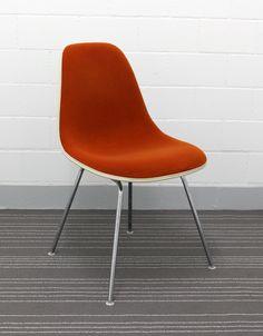 Eames Fiberglas Side Chair DSX mit Rallye Bezug