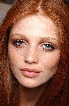 The gorgeous Cintia Dicker