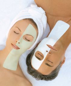 A facial is a skin treatment and the best way to take care of your face. A facial is the second treatment for skin after the massage. We get the facial to increase the blood circulation. When blood circulation is slow in our body, it affects our skin. Health Guru, Health Trends, Oral Health, Spa Dental, Acne Treatment At Home, Facial Treatment, Skin Treatments, Womens Health Magazine, Beauty Products