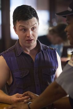 Shameless The Two Lisas Season 5 Episode 3 04 Shameless Season 5, Shameless Scenes, Shameless Tv Show, Noel Fisher Twilight, Shameless Characters, Ian And Mickey, Cameron Monaghan, Episode 3, Robert Downey Jr