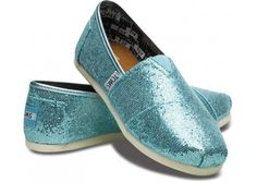 I've always liked the idea of wearing blue shoes on my wedding day. And Toms are SUPER comfy!