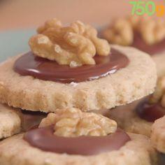 Healthy Smoothie Recipes 68777 Shortbread with Perigord Nuts PDO Healthy Snacks To Buy, Healthy Toddler Snacks, Easy Snacks, Cheesecake Recipes, Cookie Recipes, Snack Recipes, Healthy Recipes, Easy Smoothie Recipes, Easy Smoothies