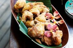 Delicious Ayam Goreng (Fried Chicken) - serves 8 whole cups) can coconut brown onion, coarsely garlic cloves, dried bay … Fried Chicken, Cooked Chicken, Best Food Photography, Malaysian Food, How To Cook Chicken, Tray Bakes, Food Inspiration, Love Food, Cravings