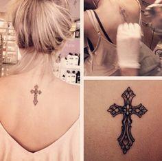 Cross tattoo at back. A girly tattoo, a delicate tattoo, a religious tattoo. Tatuagem de Cruz nas costas. Tatuagem feminina, delicada, religiosa.