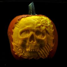 Skull with Roses Pumpkin Sculpture / Carving by Jeff Brown #pumpkinsculpture #pumpkinsculpt #pumpkincarving #pumpkincarve