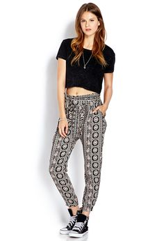 Floral Paisley Harem Pants | FOREVER21 Get the look here! #haremPants #Floral #OOTD