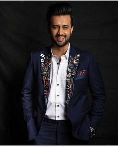 Are you finding Height, Weight, Wiki, Age, Family Biography etc of Atif Aslam?