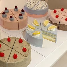Our dream💭: long weekend spent with many many cakes 🎂 🍰 🧁via Pretty Birthday Cakes, Pretty Cakes, Comida Picnic, Pastel Cakes, Think Food, Cute Desserts, Just Cakes, Cafe Food, Aesthetic Food