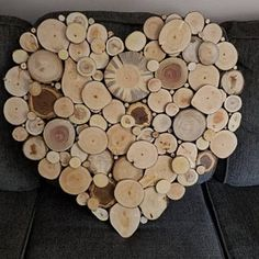 Wood Serving Tray with Inlaid Beetle Killed Pine Wood Slices in Resin Mens Room Decor, Wood Slice Crafts, Aspen Wood, Wooden Slices, Tree Slices, Creation Deco, Serving Tray Wood, Diy Wood Projects, Dremel