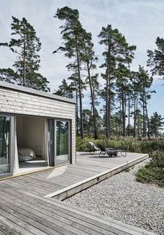 Villa Hagerman, Ljugarn – M. Architecture Durable, Architecture Design, House By The Sea, House In The Woods, Future House, Tiny House, Summer Cabins, Cabins In The Woods, Villas