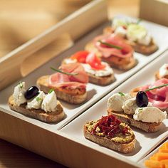 Fer bondat sense renunciar als aperitius Appetizers For Party, Appetizer Recipes, Aperitivos Finger Food, Spanish Tapas, Yummy Food, Tasty, Small Meals, Snacks, Appetisers
