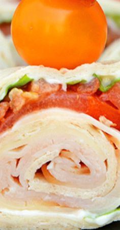Turkey Club Sandwich Pinwheels use the traditional club sandwich ingredients, but wrap them in a tortilla. Easy to make, eat and clean up! Finger Food Appetizers, Yummy Appetizers, Appetizers For Party, Appetizer Recipes, Finger Foods, Snack Recipes, Turkey Club Sandwich, Club Sandwich Recipes, Pinwheel Sandwiches