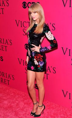 Taylor Swift wearing Zuhair Murad to the 2013 Victoria's Secret Fashion Show