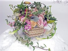 Steven Bruce Design: Photo Shoot - Post Round Hill House Bridal Show peach Garden Roses, Quicksand Roses, Ivy, Dusty Miller, white Calla Lilies, Lilies, peach Ranunculus, Scented Geranium, Vibernum, pink Stock, pink Wax flower, pink Tulips, and Air plants