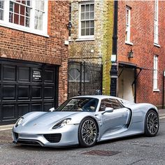 The Porsche 918 Spyder is a Hybrid supercar with a limited production of 918 units that ended in The car is available as a coupe and as roadster. Porsche 918 Spyder, Porsche Cars, Porsche Panamera, Most Expensive Luxury Cars, Hummer Truck, Porsche Carrera Gt, Vintage Porsche, Top Cars, Automotive Design